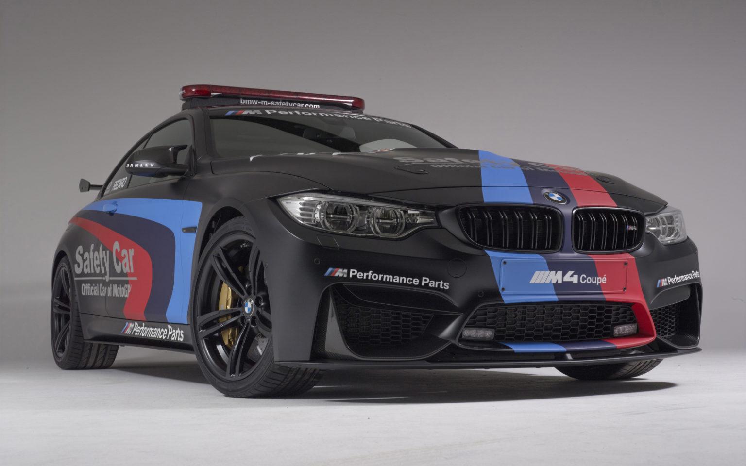 BMW_M4_SafetyCar_2015_schwarz_57_GB_ohne_Reflex_1v-1